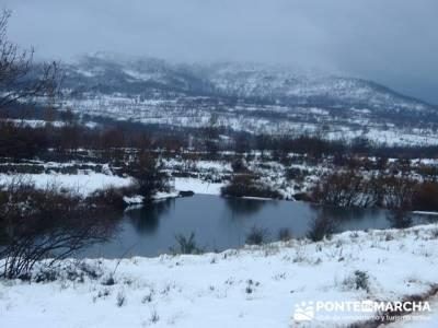 Garganta de los Montes - amigos en la nieve; asociacion de senderismo